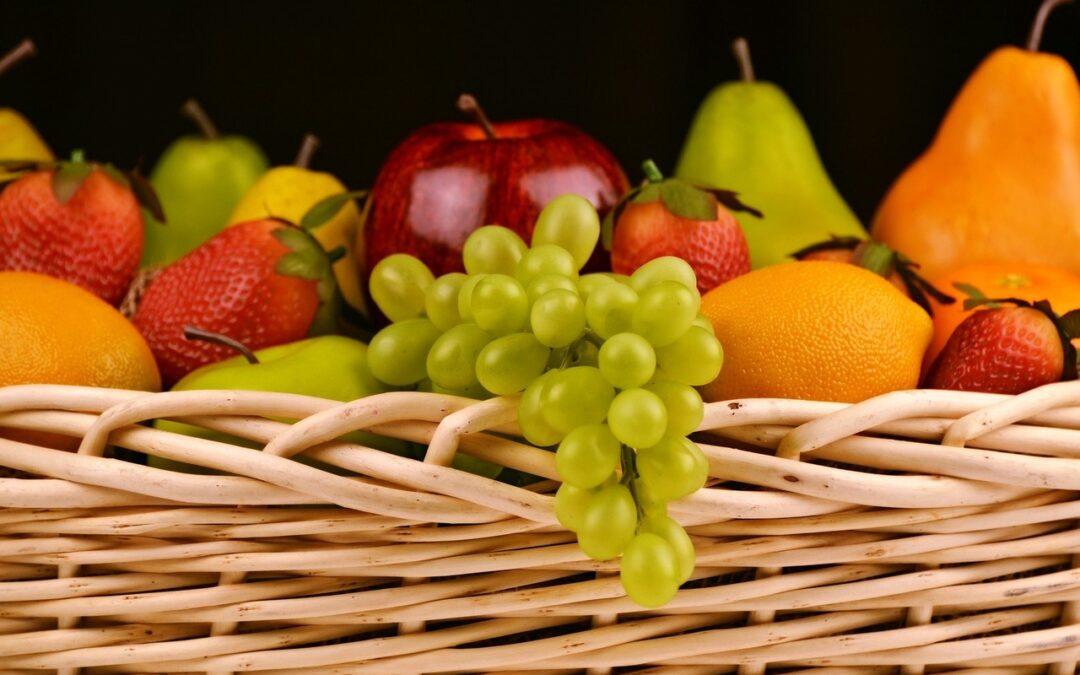 Owoce w cukiernictwie -rodzaje i sposoby użycia